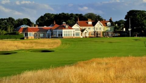 Muirfield Golf Club dỡ bỏ lệnh cấm thành viên nữ sau 273 năm