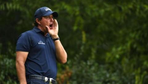 Phil Mickelson lỡ nhát cắt PGA Championship lần đầu tiên sau 22 năm