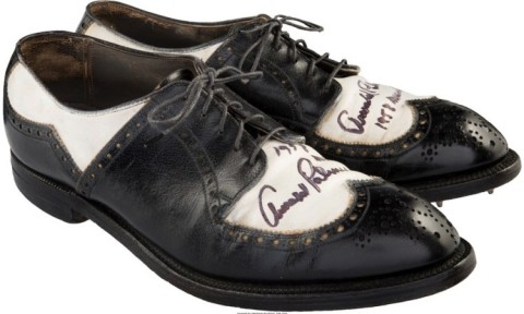 Đôi giày golf của Arnold Palmer được mua lại với giá cao