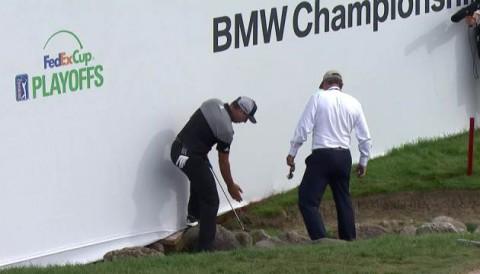 Sergio Garcia mất 30 phút để cứu bóng khỏi bẫy nước mặt bên tại vòng 4 BMW Championship