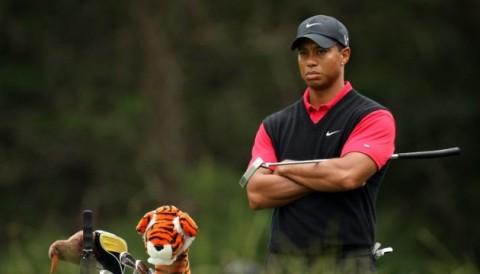 Tiger Woods: Bóng golf ngày nay bay quá xa, sân 8000 yards cũng bình thường với các PRO