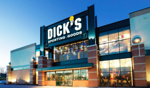 Dick's Sporting Goods mua lại 30 cửa hàng của GolfSmith