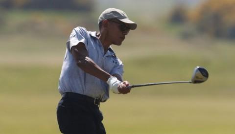 Cựu tổng thống Mỹ Barack Obama đánh golf ở sân St Andrews