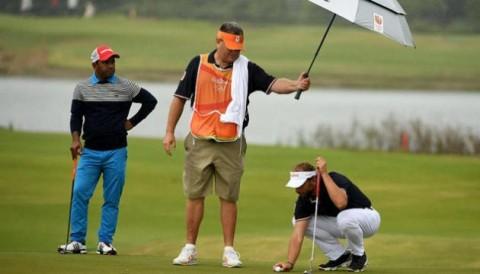 VPGA TOUR:  Golfer chuyên nghiệp được sử dụng Caddie riêng