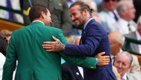 Sergio Garcia mặc green jacket bắt tay David Beckham ở Wimbledon