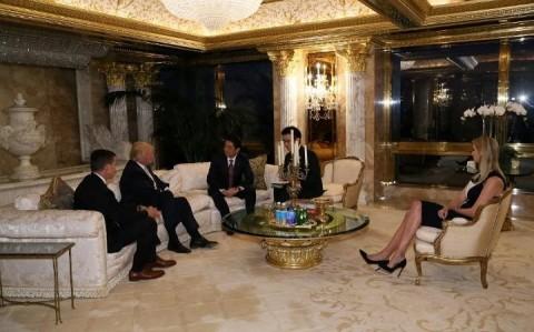 Thủ tướng Nhật nghe cha tặng gậy Honma cho tổng thống đắc cử Donald Trump