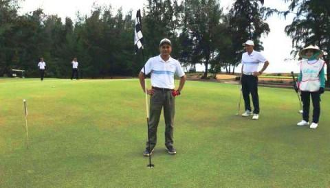 Golfer Ngọc Biên ghi HIO trị giá 2,3 tỷ VCK MercedesTrophy 2018 khi giải diễn ra mới 20 phút