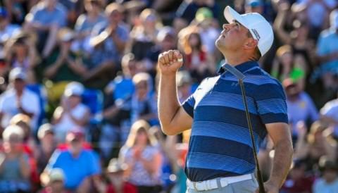 Gary Woodland tặng chiến thắng WM Phoenix Open cho người con gái đã mất