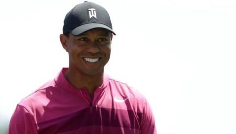 Vòng 1 Wells Fargo: Tiger Woods đánh 71 gậy, Rory McIlroy khởi đầu suôn sẻ