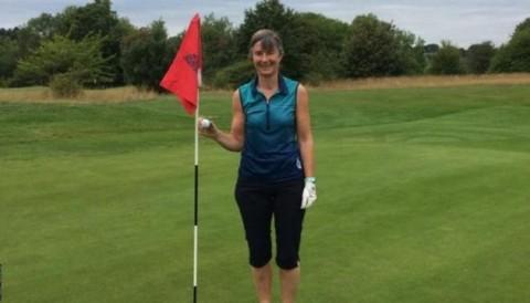 Tay golf nghiệp dư ghi 3 điểm Hole In One trong ngày để vô địch giải đấu