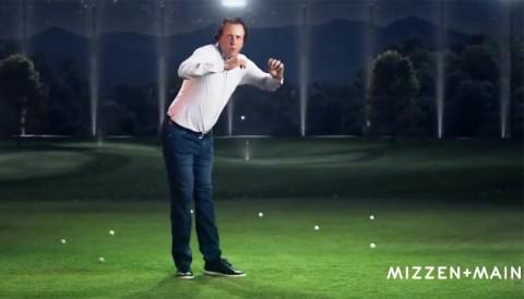 Phil nhảy theo nhạc, né bóng golf rất điêu trong clip quảng cáo áo sơmi