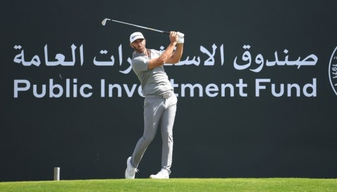Dustin Johnson mở màn 67 gậy giải Saudi International