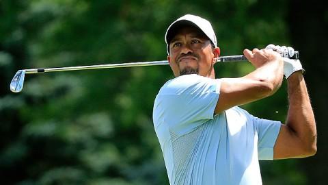 Tiger Woods thi đấu trở lại