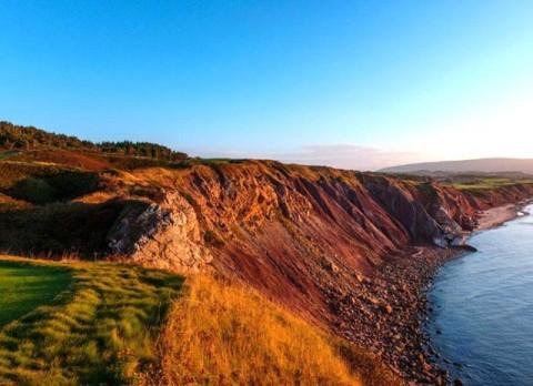 Vẻ đẹp của sân Cabot Link Nova Scotia bên vực đá đại dương