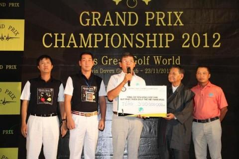 Grand Prix hỗ trợ gần 400 triệu cho Quỹ phát triển golf trẻ